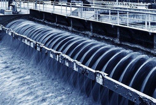 انجام مطالعات برای استفاده از آب شیرین کن در 5 نقطه کشور