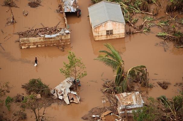 گردباد و سیل در موزامبیک؛ مرگ 417 نفر و شیوع وبا