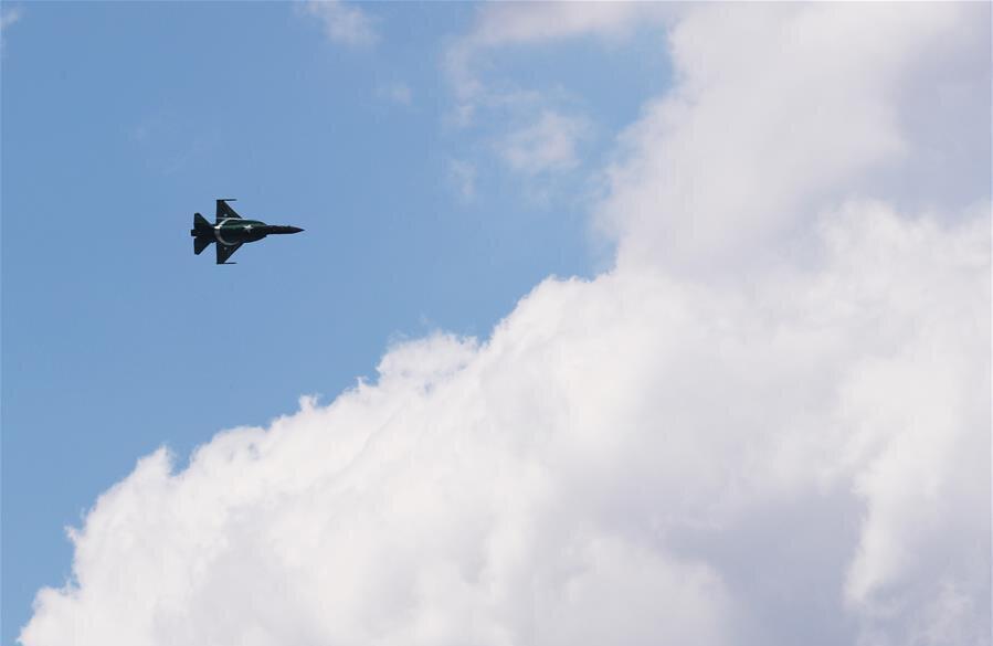 فیلم ، جی اف 17 تاندر در نمایشگاه هوایی پاریس