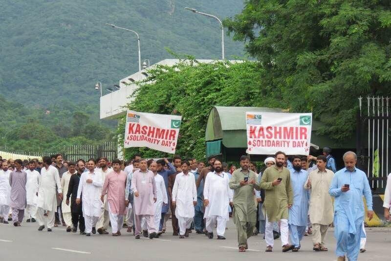 مراسم هماورد کشمیر در سراسر پاکستان برگزار گردید