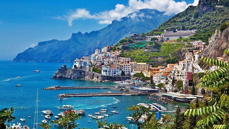 برای دیدن این جزایر باید به ایتالیا سفر کنید