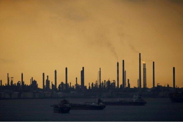 باند سارقان نفت شل در سنگاپور متلاشی شد