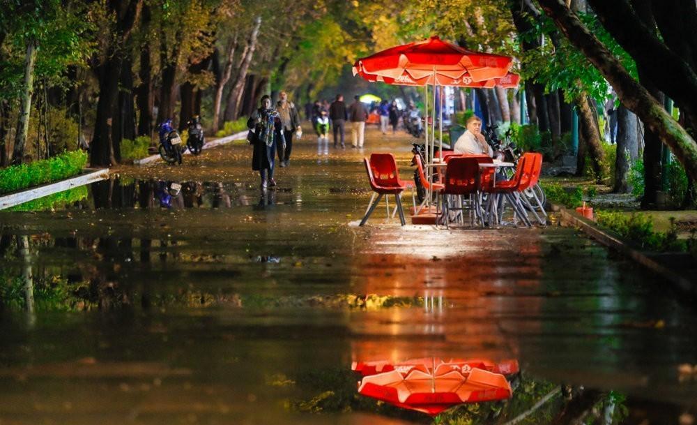 خیابان تاریخی چهارباغ اصفهان Chahar Bagh e Abbasi Street
