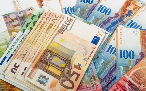 افزایش قیمت یورو و پوند، دلار 4200 تومان