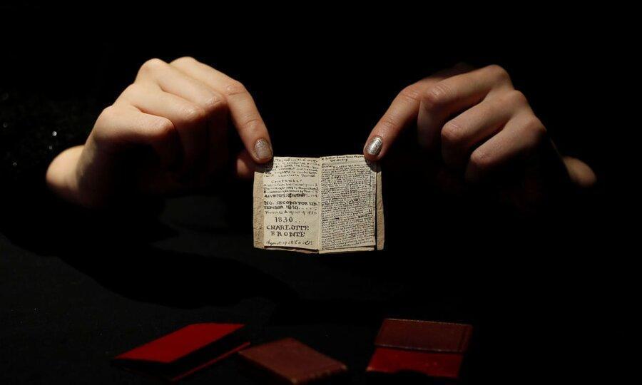 کتاب عجیب شارلوت برونته به موزه اش رفت ، موزه برونته کتاب دوران نوجوانی او را 512 هزار یورو خرید