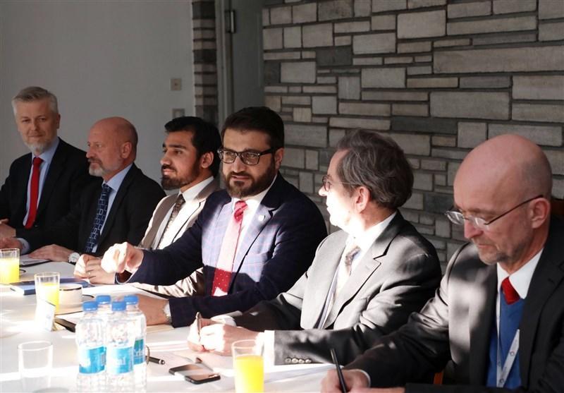 مشاور امنیت ملی افغانستان: بحران به وسیله توافق بین الافغانی حل گردد