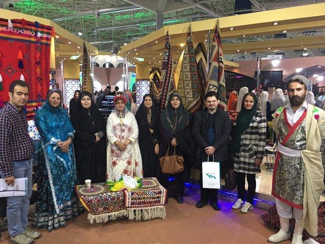 بازدید بانوان کمیسیون فرهنگی از دهمین نمایشگاه گردشگری
