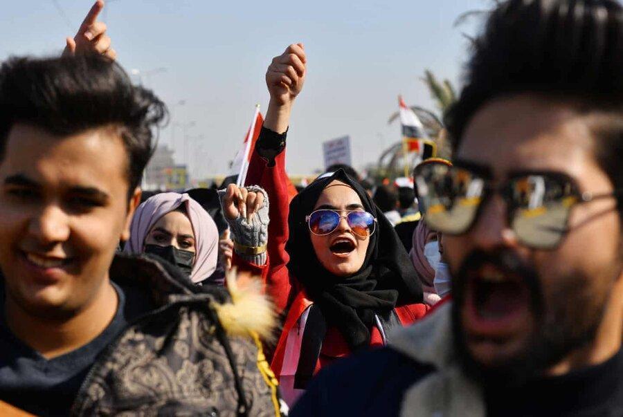عکس روز، دانشجویان معترض در نجف