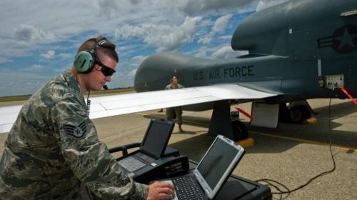 تجهیز نیرو دریایی آمریکا به هواپیماهای بدون سرنشین تهاجمی