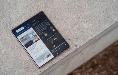 تاثیر گوشی های تاشو روی آینده تبلت ها چگونه خواهد بود؟
