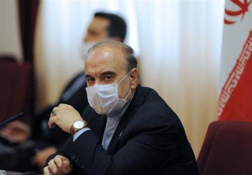 سلطانی فر وزیر ورزش: استقلال به هیچ عنوان نباید در عربستان بازی کند؛ یا ایران یا کشور ثالث خبرنگاران