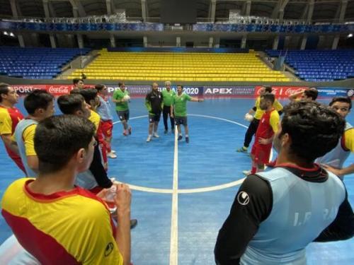 قرارداد سرمربی تیم ملی فوتسال و دستیارانش امضا شد