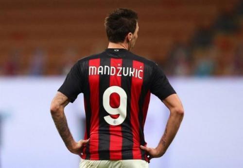 مانژوکیچ از میادین فوتبال خداحافظی کرد